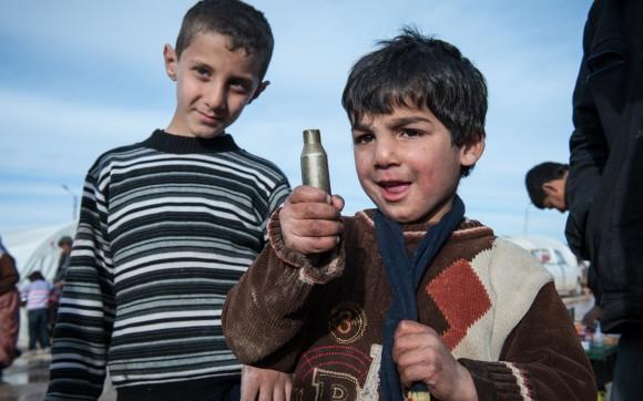 Omar, 7, lebte einmal in einem großen Haus